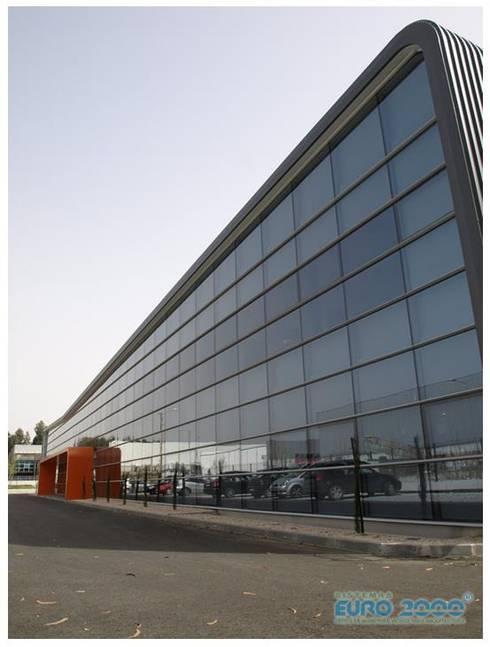 CATARI - Indústria de equipamentos metálicos SA: Escritórios  por Ar Studio Architects