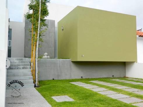 Casa T26: Casas de estilo minimalista por La Maquiladora / taller de ideas