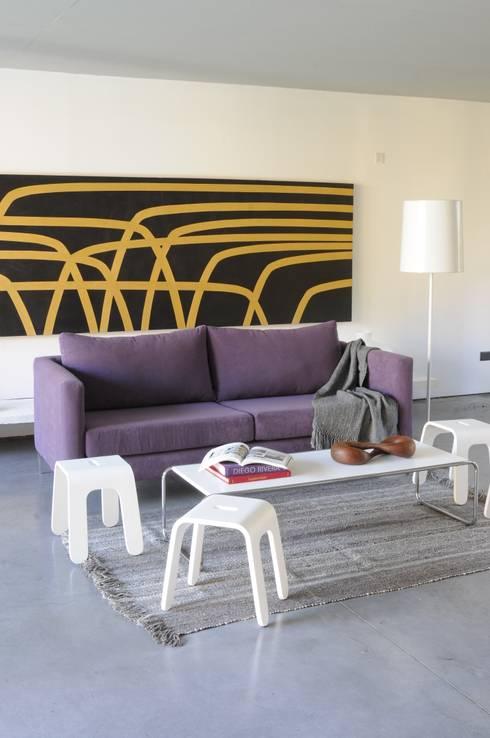 Gris: Paredes y pisos de estilo ecléctico por Elementos Argentinos