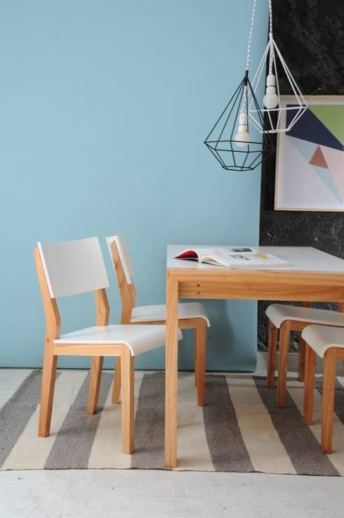 Blanca y Gris: Paredes y pisos de estilo escandinavo por Elementos Argentinos
