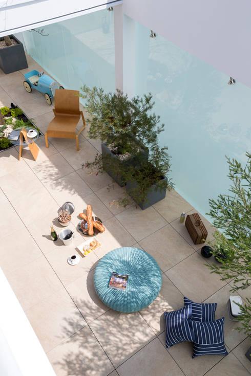 客廳 by Mアーキテクツ|高級邸宅 豪邸 注文住宅 別荘建築 LUXURY HOUSES | M-architects