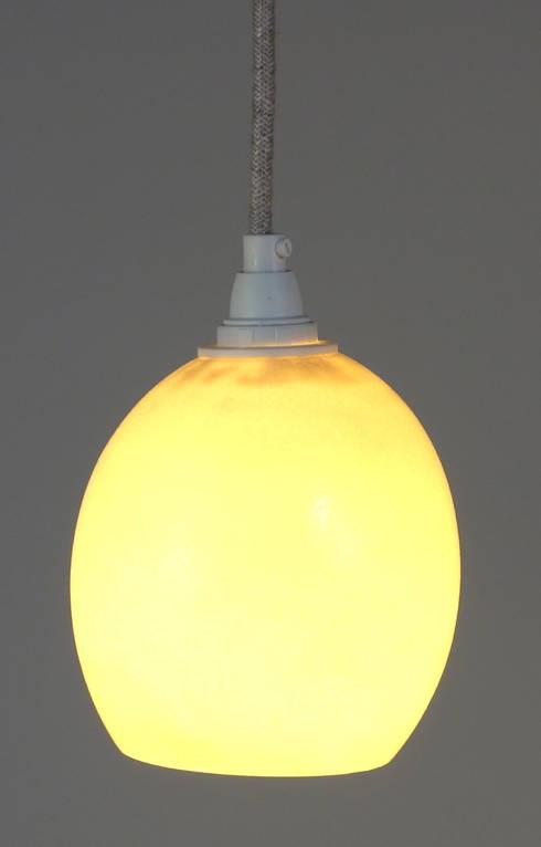 h ngelampe aus treibholz mit strau eneier von meister lampe homify. Black Bedroom Furniture Sets. Home Design Ideas