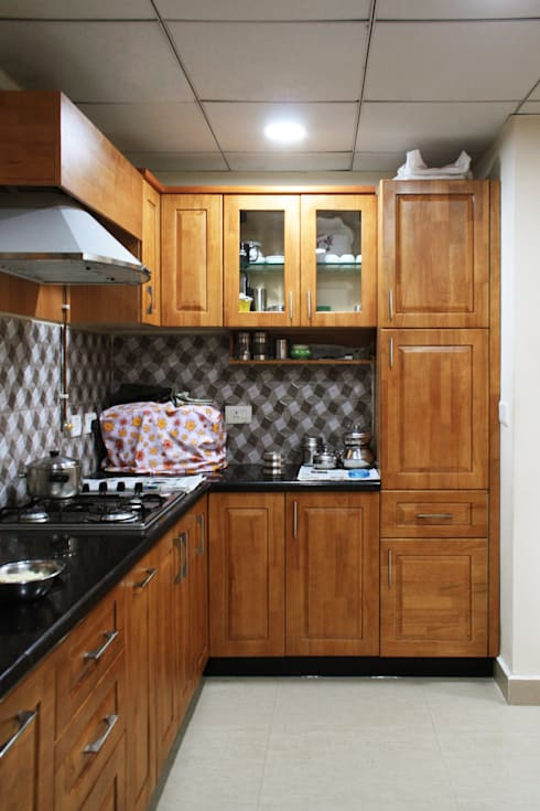 Appasamy Mapleton pallikaranai..:  Kitchen by Ashpra Interiors