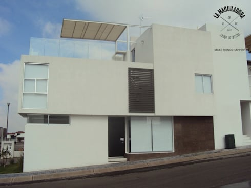 Conjunto Zen House: Casas de estilo minimalista por La Maquiladora / taller de ideas
