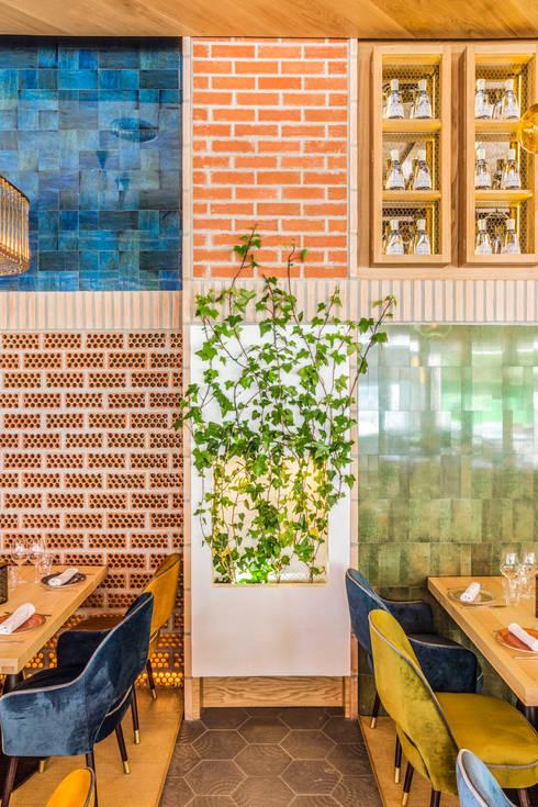 LA CANICA DE INFANTA: Locales gastronómicos de estilo  de Zooco Estudio