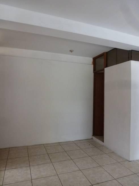 Antes de : Oficinas y Tiendas de estilo  por A3 Interiors