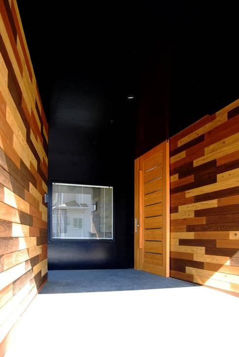Corridor & hallway by BDA.T / ボーダレスドロー
