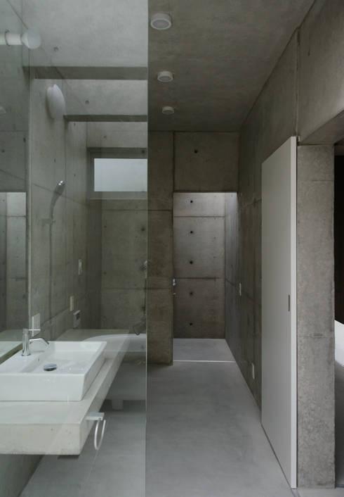 みなも: 風景のある家.LLCが手掛けた浴室です。