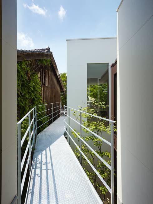 住吉の家: 藤原・室 建築設計事務所が手掛けた廊下 & 玄関です。