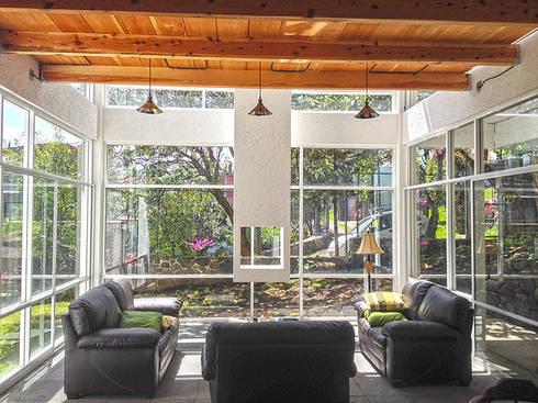 Sala: Salas de estilo moderno por VOLEVA arquitectos