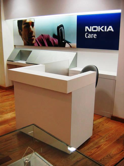 Nokia Care - RIMA Arquitectura: Estudios y oficinas de estilo moderno por RIMA Arquitectura