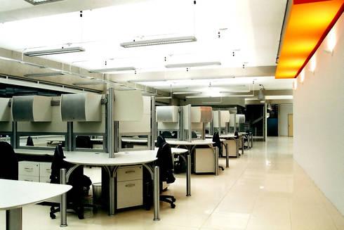 Pitico - RIMA Arquitectura: Estudios y oficinas de estilo moderno por RIMA Arquitectura