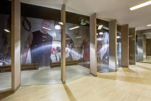 Sportium del Valle - RIMA Arquitectura: Garajes de estilo moderno por RIMA Arquitectura