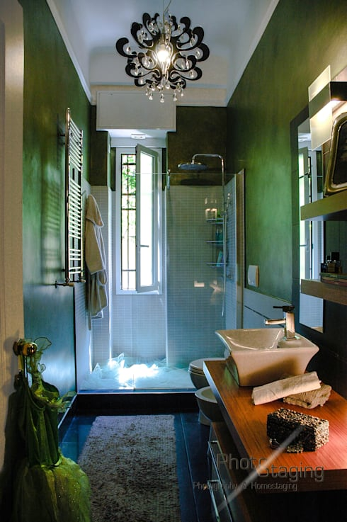 Ванные комнаты в . Автор – PhotoStaging Photography  & Homestaging