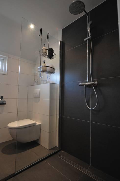 complete badkamer Heerhugowaard by AGZ badkamers en sanitair | homify