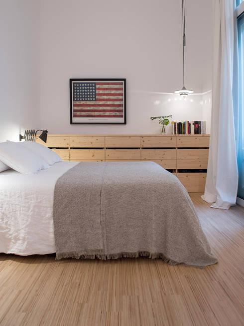 Vivienda bajos Madrazo: Dormitorios de estilo moderno de MIRIAM CASTELLS STUDIO