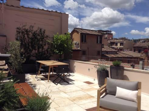 Una terrazza moderna mediterranea di au dehors studio for Moderna architettura mediterranea