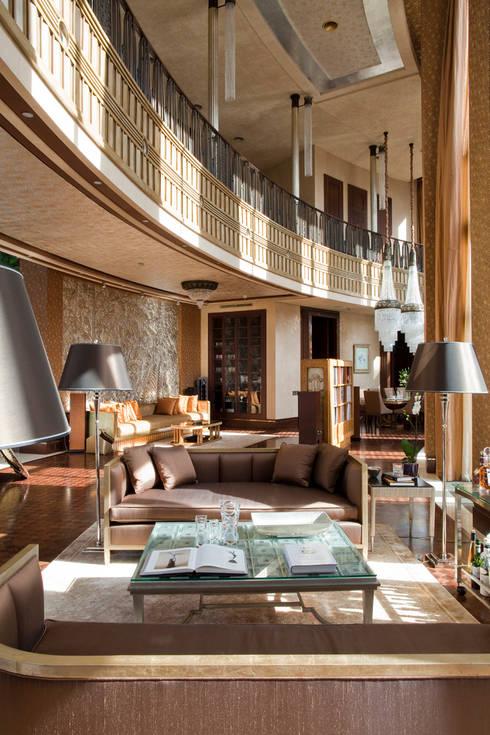 Двусветная гостиная: Гостиная в . Автор – FABER GROUP
