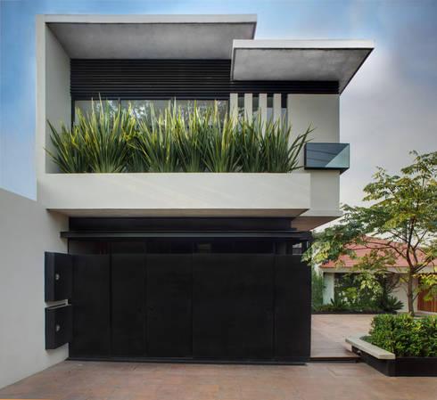Casa LA 356 - RIMA Arquitectura: Casas de estilo moderno por RIMA Arquitectura