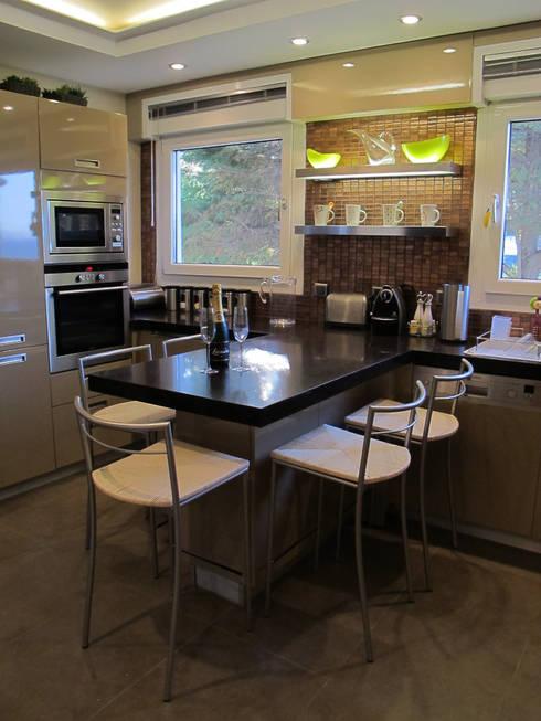 dga – Kınalıada'da bir Ev:  tarz Mutfak