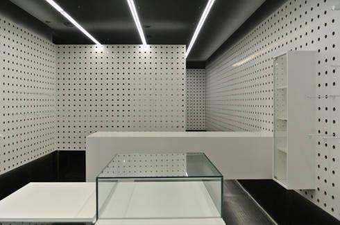 MBIT Circunvalação: Espaços comerciais  por feedback-studio arquitectos