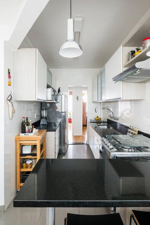 Apartamento Teodoro: Cozinhas  por Alvorada Arquitetos