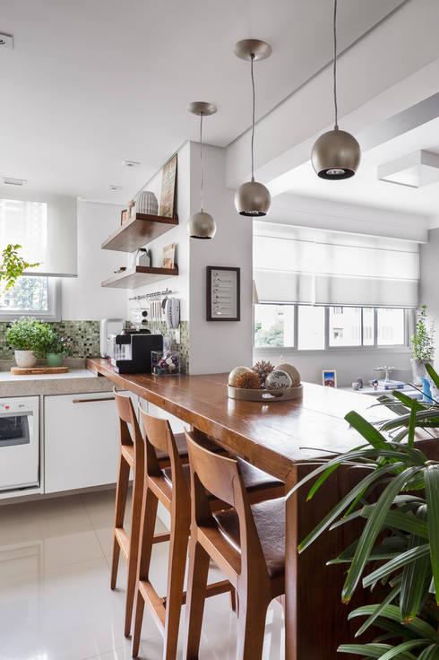 Cocinas de estilo  por Alvorada Arquitetos