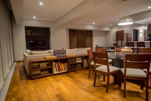 Piso 21: Salas de estilo moderno por Symetri-K