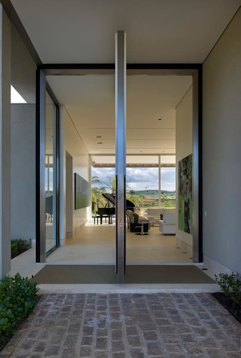 Casa Vila do Perpétuo: Janelas   por Lanza Arquitetos