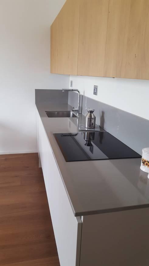 مطبخ تنفيذ studio di architettura cinzia besana