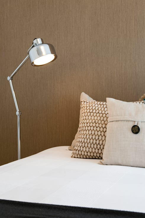 Pormenor do quarto: Quartos modernos por Traço Magenta - Design de Interiores