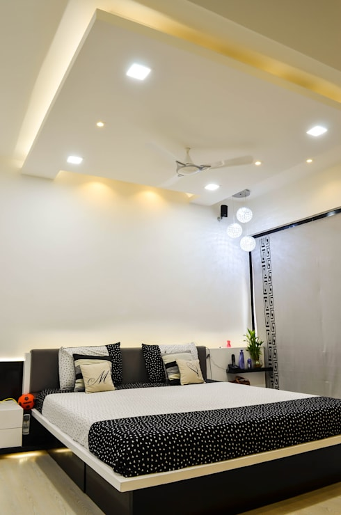 Interior For Mr. Shah: modern Bedroom by Maulik Vyas Architects