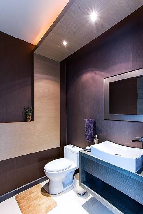 Interiorismo y diseño de mobiliario.: Baños de estilo  por Besana Studio
