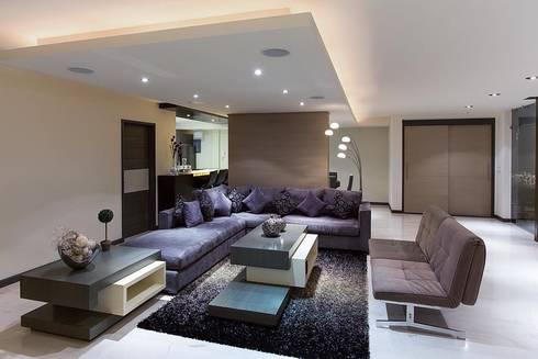 Interiorismo y diseño de mobiliario.: Salas de estilo moderno por Besana Studio