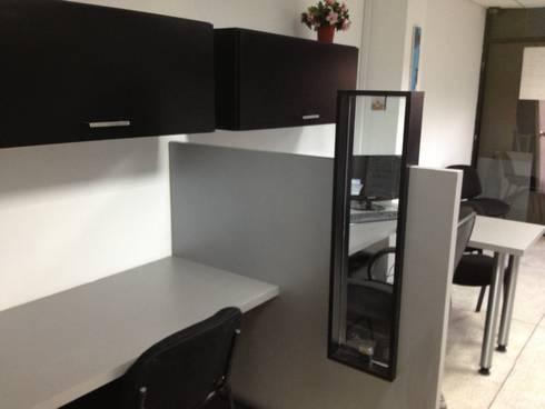 OFICINA SIESCOM, C.A.: Oficinas de estilo moderno por DEKOR BARQUISIMETO