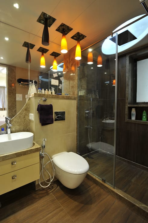 3 Bedroom Mumbai Residence:  Bathroom by Aum Architects