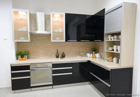 Residential interiors: classic Kitchen by Dream space Interiors