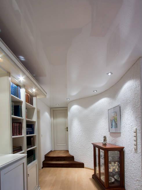 wohnzimmer weiße lack spanndecke wellenwand von mettner raumdesign ... - Raumdesign Wohnzimmer