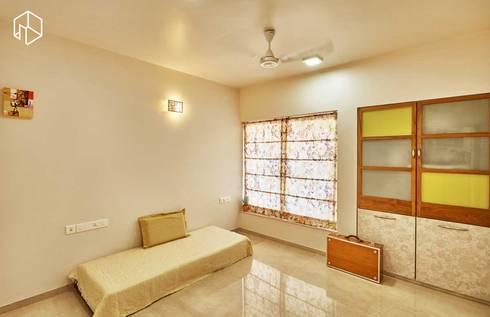 guest bedroom: eclectic Bedroom by iSTUDIO Architecture