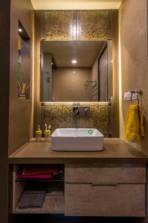 wash basin with lighting and mirror:  Bathroom by iSTUDIO Architecture