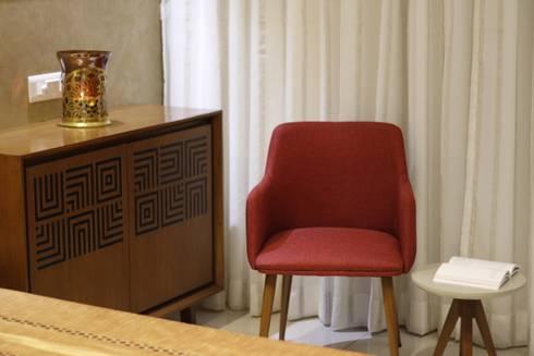 True Home: modern Bedroom by SPACEPLUS