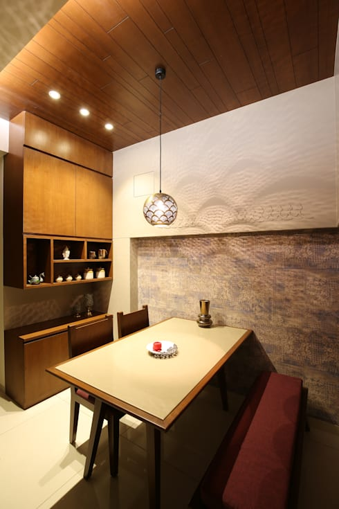 True Home: classic Dining room by SPACEPLUS