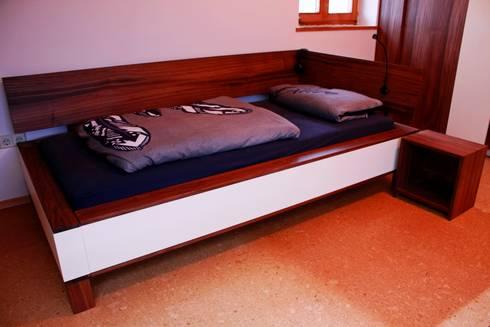 Jugendzimmer: moderne Schlafzimmer von Ruperti Schreinerei