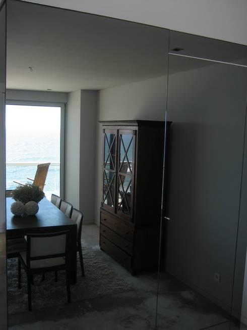 Sala de jantar: Salas de jantar modernas por GRAU.ZERO Arquitectura