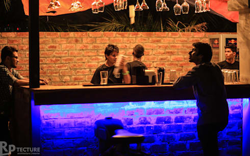 Outdoor Bar:  Bars & clubs by RPtecture