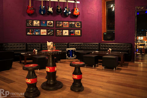 Coke bottle seating:  Bars & clubs by RPtecture