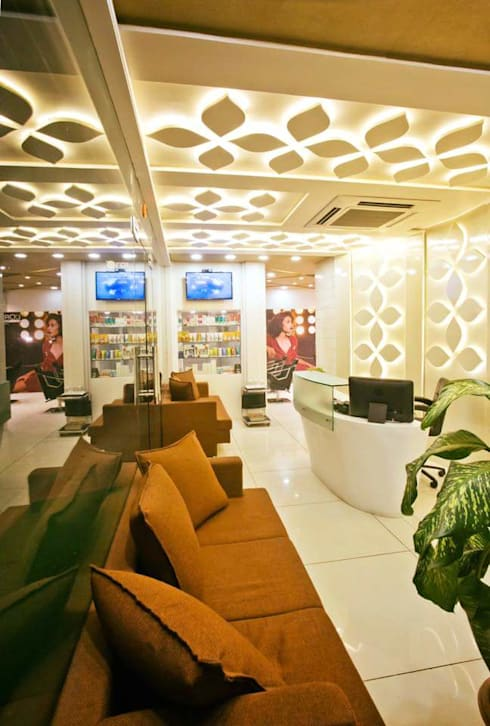 Site photographs:  Spa by COLORDREAMS