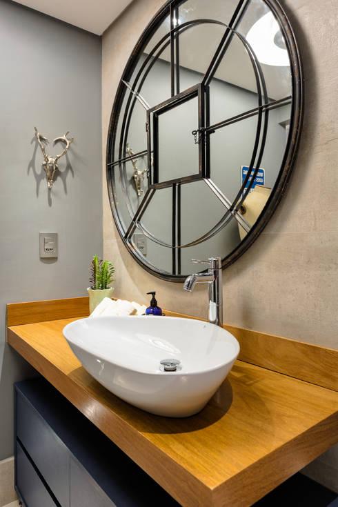 Decoração de banheiro Masculino: Banheiros  por Motirõ Arquitetos