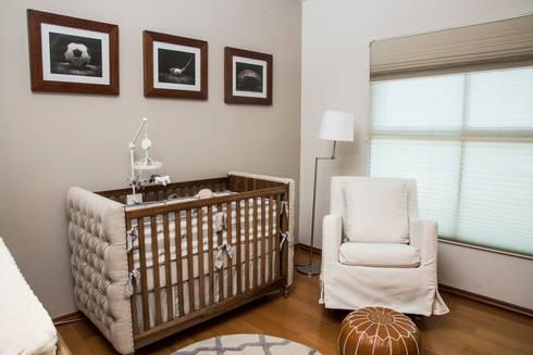 CUNA Y MECEDORA: Habitaciones infantiles de estilo  por Ploka 8.7