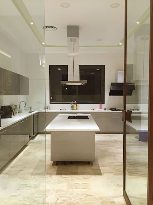 Main Kitchen:  Kitchen by 23DC Architects